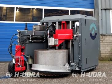 Hydraulisch aangedreven asfaltboor